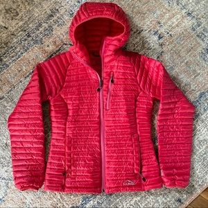 LL Bean Women's Ultralight 850 Down Hooded Jacket